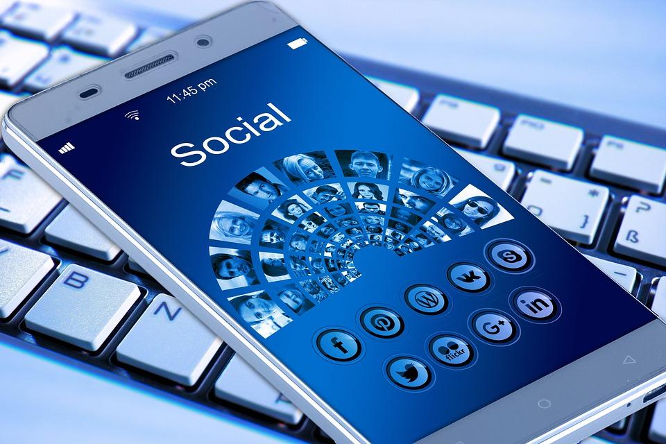Závislost na sociálních sítích
