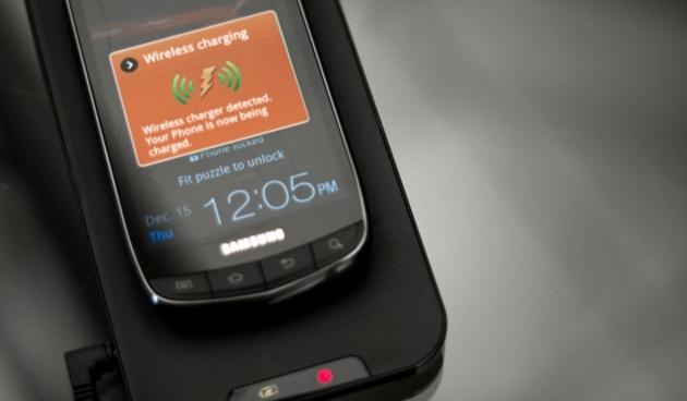 Samsung Galaxy S III se možná dočká bezdrátové nabíječky